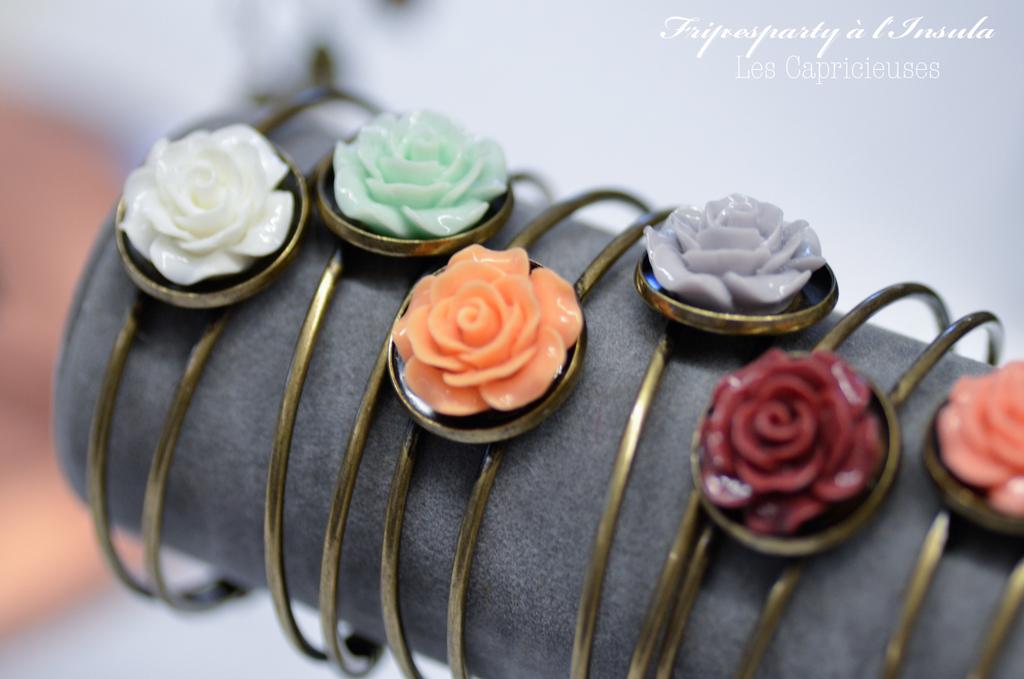 Bracelet fleur en résine vernis