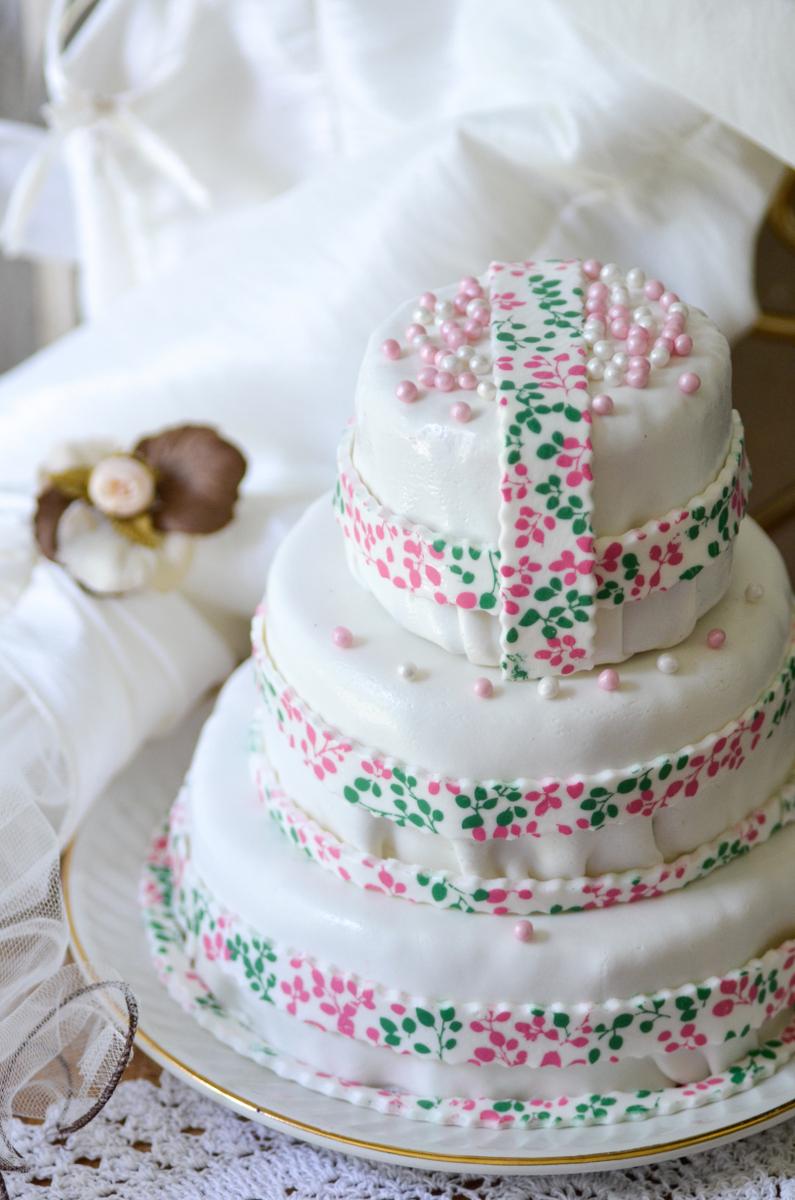 ... . Mon cadeau de mariage a donc été le wedding cake fait-maison