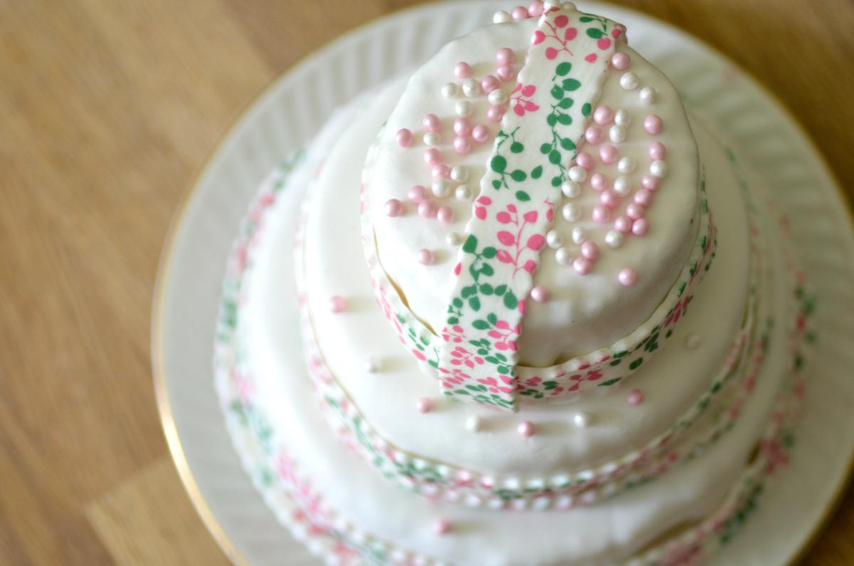 Faire soi-même un wedding cake, recette – Les Capricieuses