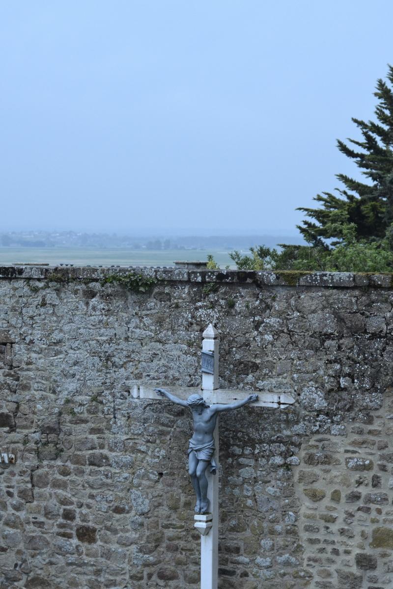 croix christ mont saint michel