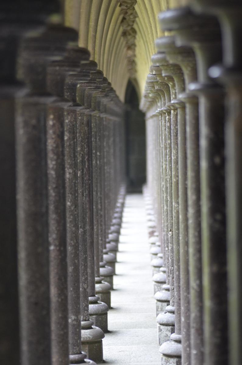colonnes mont saint michel